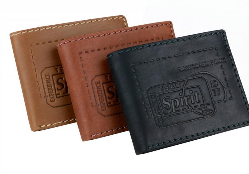 e6fecf4c4b Kožená peňaženka CAMEL ACTIVE Detroit s prešívaním čierna hnedá