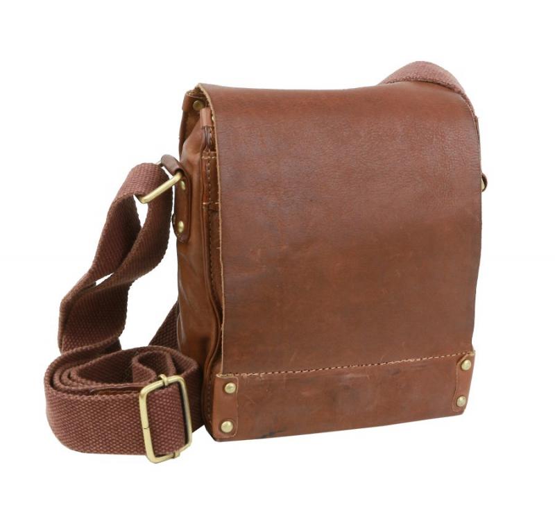 Malá taška na rameno s chlopňou na magnety BRANCO hnedá - KozeneDoplnky.sk af091a6ab15